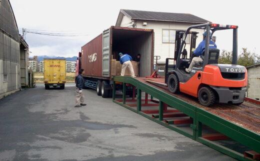 積み替え及び倉庫保管